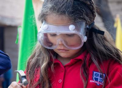 girl-with-goggles